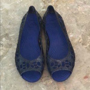 Beautiful Navy Ballet Flats Crocs 😍 Sz 2